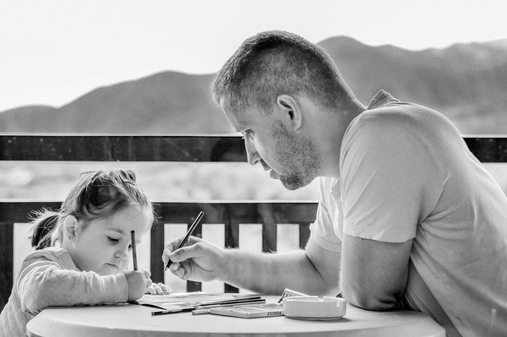 Praca w domu z dzieckiem – czy to dobre rozwiązanie?