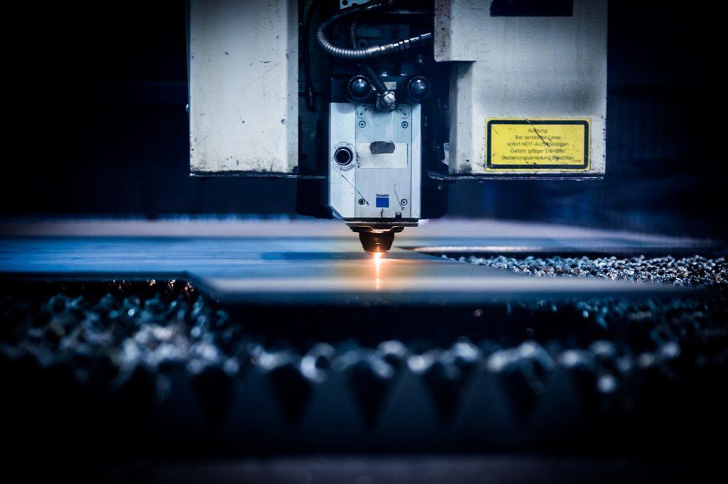Wycinanie laserowe. 3 najważniejsze plusy tej metody